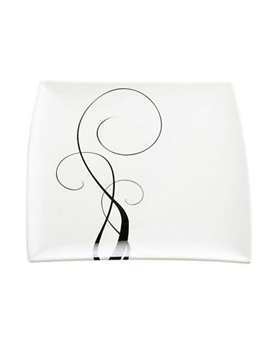 Maxwell & Williams Breeze Dinner Plate-WHITE/BLACK-One Size