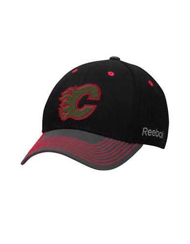 Reebok Calgary Flames Face-Off Tri-Tone Structured Flex Cap-RED-L/XL
