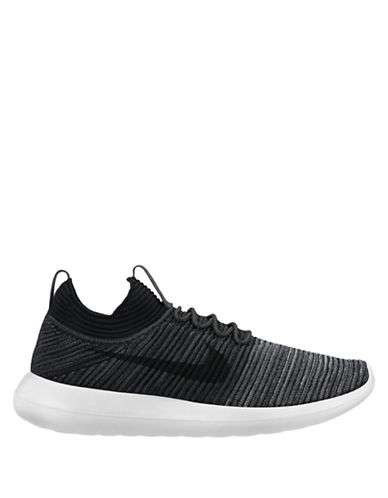 Nike Roshe Two Flyknit V2 Sneakers-BLACK-8.5