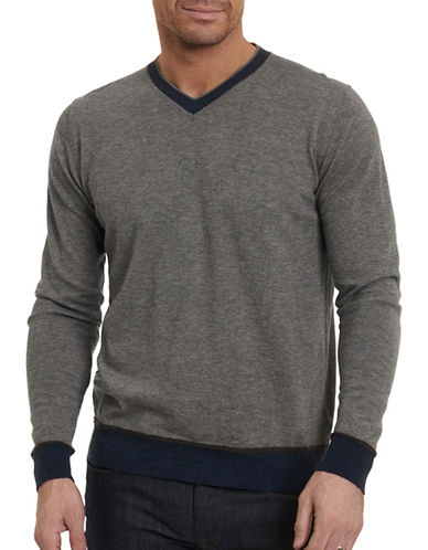 Robert Graham Wool  V-Neck Sweater-GREY-X-Large