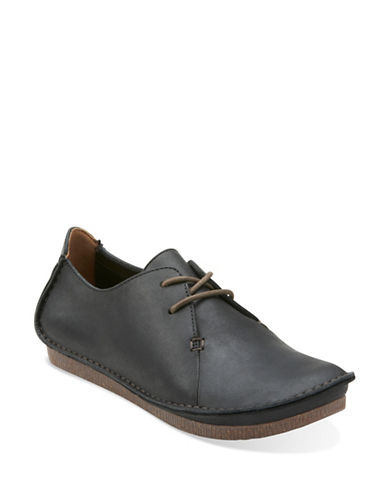 Clarks Artisan Janey Mae Shoes-BLACK-6.5