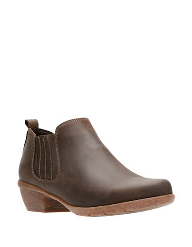 Clarks Artisan Wilrose Jade Leather Chelsea Boots-BROWN NUBUCK-5
