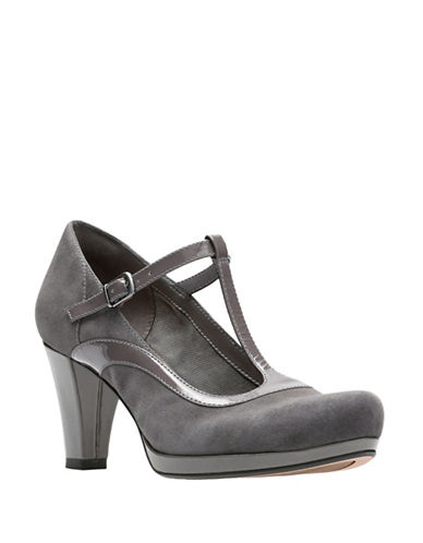 Clarks Artisan Chorus Pitch Leather Pumps-DARK GREY-8.5