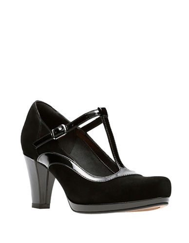 Clarks Artisan Chorus Pitch Leather Pumps-BLACK-5.5