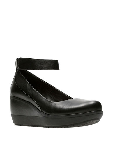 Clarks Artisan Wynmere Fox Leather Mary Jane-BLACK-10W