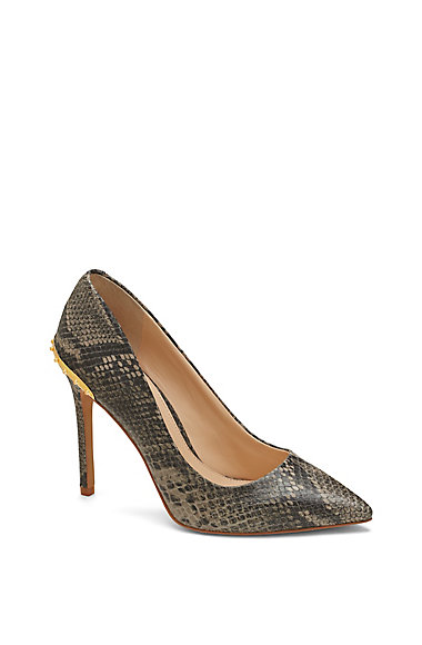 VINCE CAMUTO NALDA- SPIKE DETAIL POINT TOE STILETTO