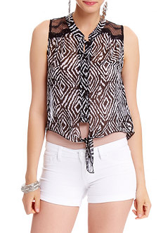 2b Sleeveless Cropped Button Down Top