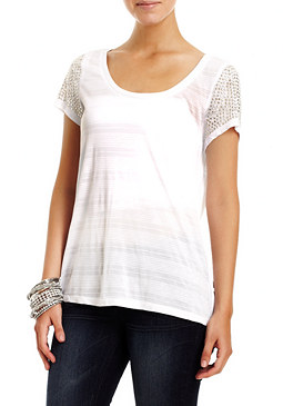 2b Stud Sleeve High Low Top