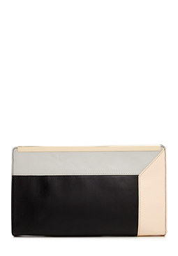 Geo Frame Clutch at bebe