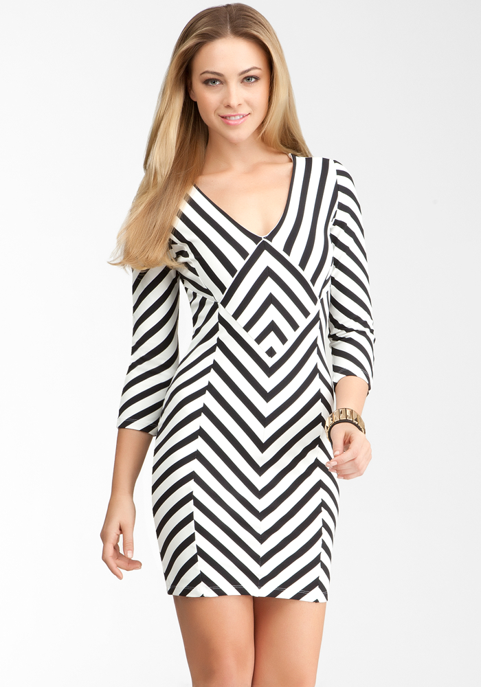 Striped Power Knit Zigzag Dress - Black/Egret - L