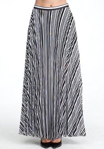 bebe Pleated Pocket Long Skirt