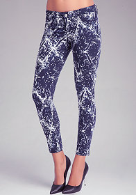 bebe Feather Print Icon Skinny Jeans