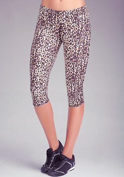 Printed Tulip Capri Pants at bebe