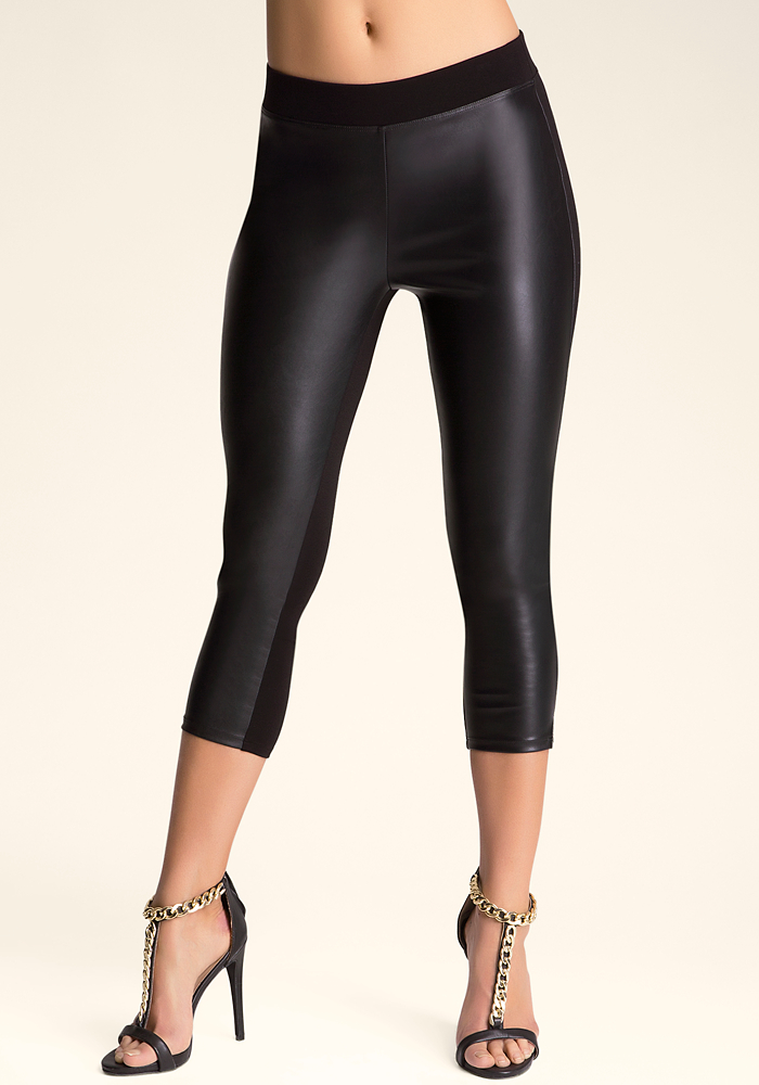 Front Slit Capri Leggings