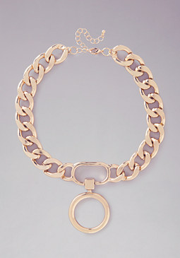 Chain Link Circle Necklace at bebe