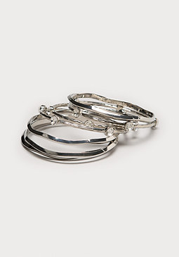 Wavy Metal Bangle Set at bebe