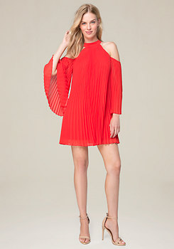 bebe Pleated 3/4 Sleeve Dress
