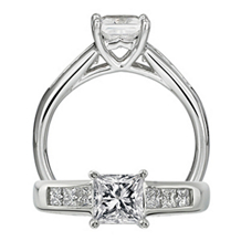 Ritani Classic Princess Diamond Engagement Ring