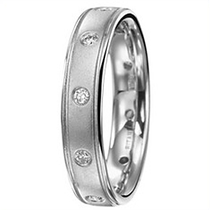 Stunning Ritani Diamond Wedding Band