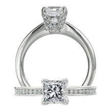 Elegant Ritani Setting Princess Cut Diamond Ring
