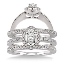 Gorgeous Diamond Engagement Ring and Wedding Band