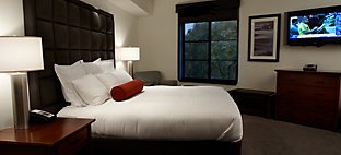 Inn on Woodlake Tower Room