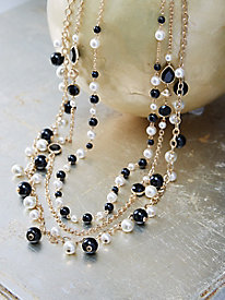 Chic Contrasts Necklace