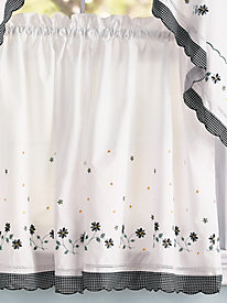 Gingham Embroidered Window Coordinates