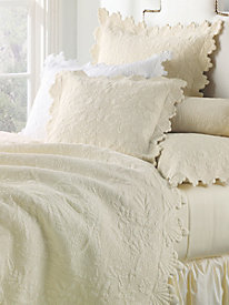 Coquillage De La Mer Quilt Collection by linensource