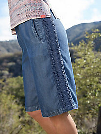Indigo Shorts With Lace