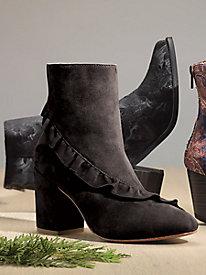 Latigo Kahlia Ruffle Boots