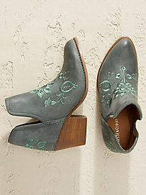 Musse & Cloud Ambar Embroidered Booties