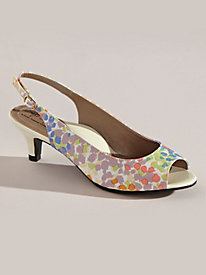 Analee Style Peeptoe Sling Sandals By Soft Style�
