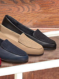Beacon® Busy Bee Loafers