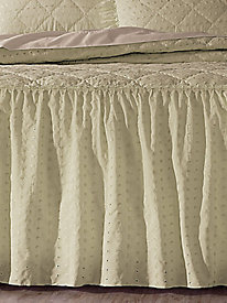 Eyelet Bedding Ensemble