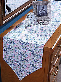 Table Runner in Hearts Pattern
