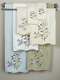 La Fleur Scalloped Towel Collection