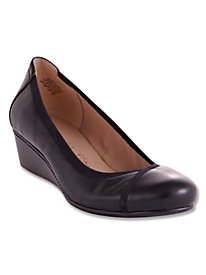 Dobey Leather Pumps By Easy Spirit®