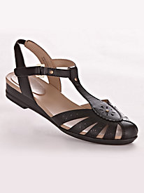 Delcine Style T-Strap Casuals by Easy Spirit�