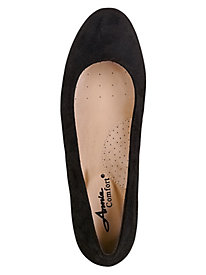 Envoy Style Classic Slip-Ons by Annie Comfort�