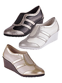 Wedges by Soft Style®, a Hush Puppies® Company.
