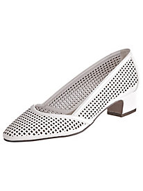 Cutwork Pumps By Easy Street®