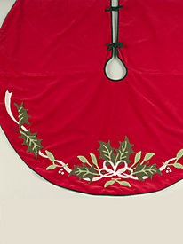 Tufted Poinsettia Tree Skirt
