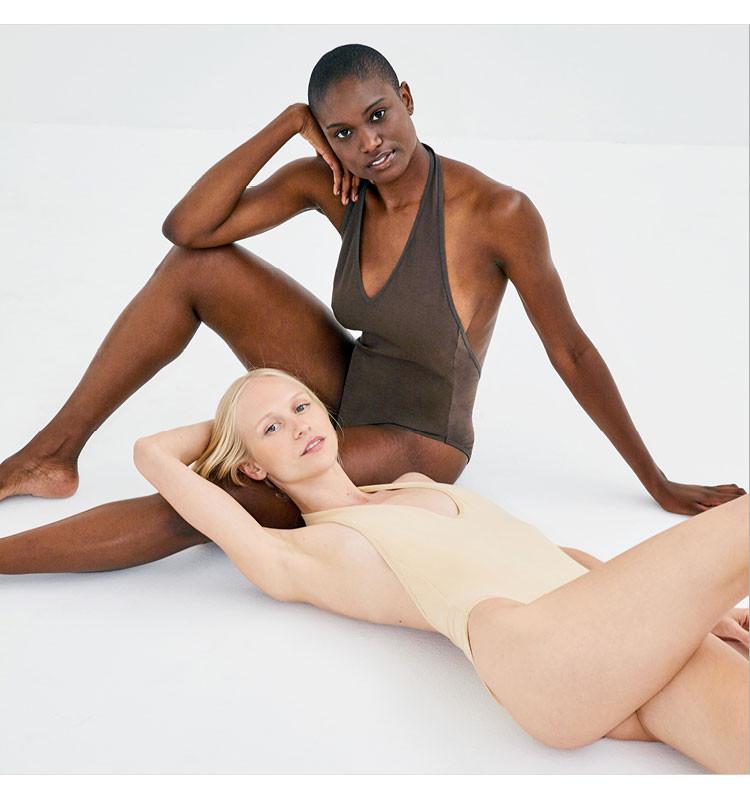 Nude 3,9 Two Women