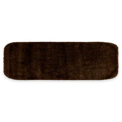 Traditional Plush Bath Rug In Chocolate