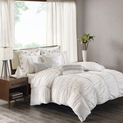 inkivy reese king comforter set in white