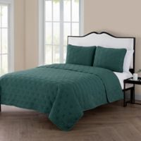 VCNY Kaleidoscope Reversible Queen Quilt Set in Sea Green