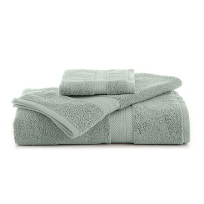Abundance Bath Towel In Pale Green