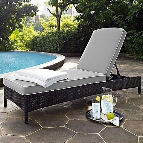 Crosley palm harbor outdoor wicker chaise lounge with for Bathroom chaise lounge
