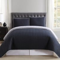 Truly Soft Everyday Reversible Full/Queen Quilt Set in Black/Grey